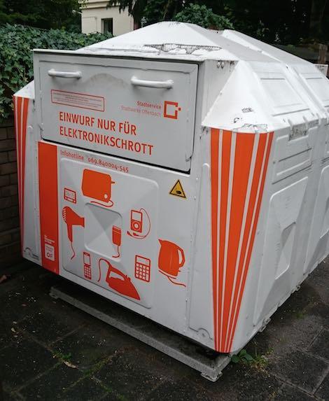 20150619_elektroschrott_container